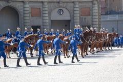 Изменять предохранителя около королевского дворца. Швеция. Стокгольм Стоковая Фотография