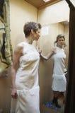 изменяя белизна комнаты платья Стоковые Изображения