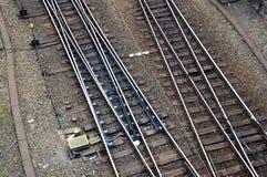 изменяя линии поезд рельсов сети железнодорожный стоковые изображения rf