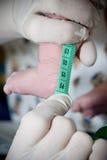 измерение ребенка newborn Стоковые Изображения RF