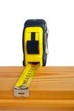 измерять доски деревянный Стоковая Фотография