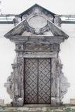 Изображение апостолов двери на церков St Peter и Пола в снеге в Кракове Стоковые Изображения RF