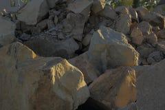 Изображение большого гранита трясет на месте здания Стоковое Изображение