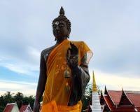 Изображение Будды в виске буддизма стоковое изображение