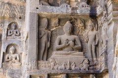 Изображение Будды в пещере Ellora, махарастры, Индии стоковое изображение rf