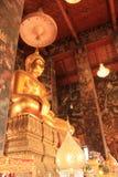 Изображение Будды в Бангкоке, Таиланде стоковая фотография rf