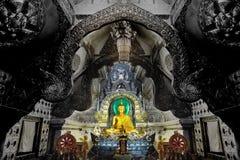 Изображение Будды в серебряной зале на Wat Si Suphan, Таиланде Стоковые Изображения
