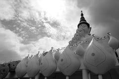 Изображение Будды и неба стоковая фотография rf