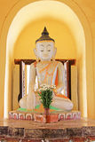 Изображение Будды монастыря Maha Aungmye Bonzan, Innwa, Мьянма Стоковое Фото