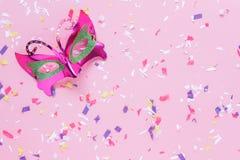 Изображение взгляда столешницы воздушное красивой красочной маски масленицы Стоковое Изображение RF