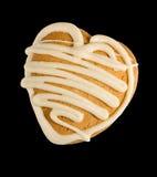Изображение вкусного пряника в форме сердца на черной предпосылке Стоковые Изображения