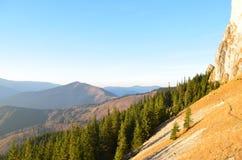 Изображение восточных Карпатов, ресервирование Piatra Craiului естественное, Румыния Стоковое Изображение RF