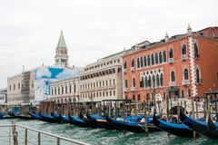 Изображение гондол на грандиозном канале, Венеции Стоковые Фотографии RF