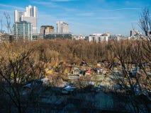 Изображение городского пейзажа Мюнхена с большими зданиями стоковые фотографии rf