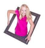 изображение девушки взбираясь рамки стоковое изображение rf