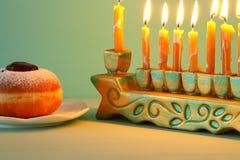 изображение еврейской предпосылки Хануки праздника с menorah & x28; традиционные канделябры стоковое фото