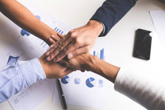 Изображение дела, концепции рук людей сыгранности соединяя Стоковые Фотографии RF