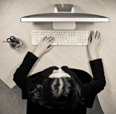 Женщина на месте работы Стоковые Фотографии RF