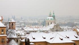 Изображение зимы старого городка Праги стоковые изображения rf