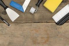 Изображение знамени инструментов улучшения дома на деревянном космосе экземпляра Стоковые Фото