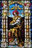 Изображение значка на цветном стекле в католической христианской церков Стоковая Фотография RF