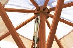 Изображение зонтика пляжа, праздник концепции Стоковое фото RF