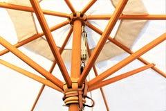 Изображение зонтика пляжа, праздник концепции Стоковая Фотография