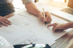Изображение инженера или архитектурноакустического проекта, проектируя диска 2 Стоковое Изображение