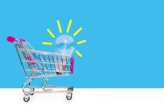 изображение идеи принципиальной схемы 3d представило Новые идеи в торговле Концепция продавать и покупать Идеи дела Стоковые Фотографии RF