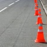 Изображение конуса движения на крупном плане дороги Стоковые Изображения