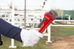 Изображение конца-вверх человеческого ключа удерживания руки Стоковое фото RF