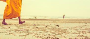изображение концепции путешествием монаха и моря Стоковое Фото