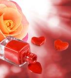 изображение маникюра, декоративных сердец и цветка подняло Стоковое Изображение RF