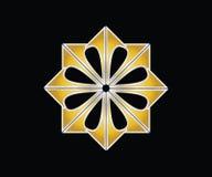 Изображение 8 наконечников в золотом цвете формируя форму цветка иллюстрация штока