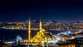 Изображение ночи панорамного взгляда Стамбула Стоковое Фото