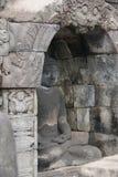 Изображение сидеть Будда в виске Borobudur, Jogjakarta, Индонезии стоковые изображения