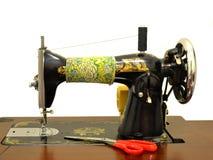 Старая швейная машина Стоковые Изображения RF