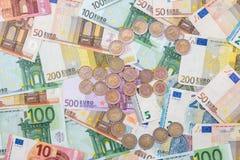 изображение схематического евро монеток кредиток финансовохозяйственное Стоковое Изображение