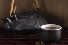 Изображение традиционного восточного чайника Стоковые Фото