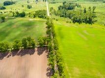 изображение трутня вид с воздуха сельского района с полями Стоковая Фотография RF