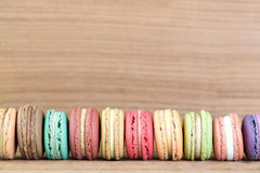 Изображение фокуса стога красочного француза Macarons Стоковое Изображение