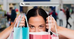 Изображение цифров составное женщины держа хозяйственные сумки с баром поиска Стоковое Изображение