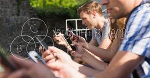 Изображение цифров составное уровнений математики с студентами Стоковые Фотографии RF