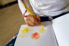 Изображение чертежа ребенка/девушки на День матери Стоковое фото RF