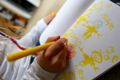 Изображение чертежа ребенка/девушки на День матери Стоковое Изображение RF