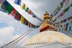 Изображение Boudhanath Stupa в Kathmandu Valley с облаками небо Непал вегетация неба моря Сардинии фото изображения береговой лин Стоковые Изображения RF
