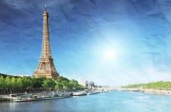 Изображение Grunge Эйфелева башни Стоковые Фотографии RF