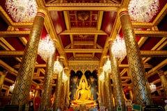 Изображение Phra Phuttha Chinnarat Будды на виске Wat Phra Si Rattana Mahathat в Phitsanulok, Таиланде Стоковая Фотография RF