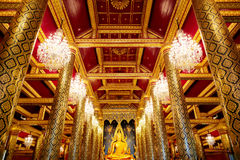 Изображение Phra Phuttha Chinnarat Будды на виске Wat Phra Si Rattana Mahathat в Phitsanulok, Таиланде Стоковое фото RF
