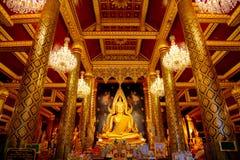 Изображение Phra Phuttha Chinnarat Будды на виске Wat Phra Si Rattana Mahathat в Phitsanulok, Таиланде Стоковое Изображение RF